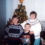 Maria Lasica with sons Andrew, left, and Pawel during Christmas 1996 in Toronto.